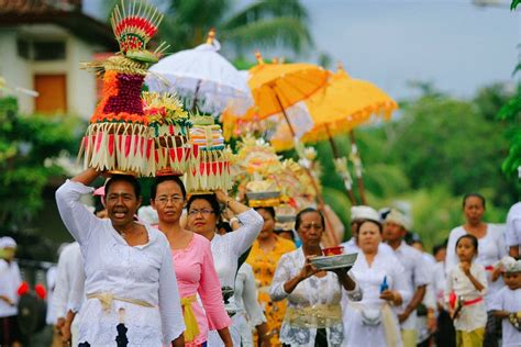 social cultures  bali   experience facts