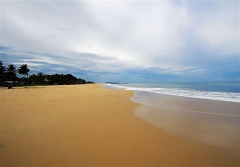 beaches   world bentota bay beach resort sri lanka