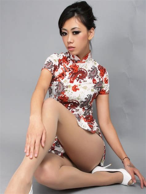 IN PICTURES! 11 Qipao Hotties who Bring Sexy Back to the ...