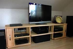 Tv Lowboard Mit Tv Halterung : lowboards und medienm bel nach ihren w nschen und pl nen ~ Michelbontemps.com Haus und Dekorationen