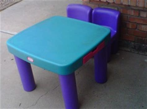 tike table and chairs for sale from the hart school house