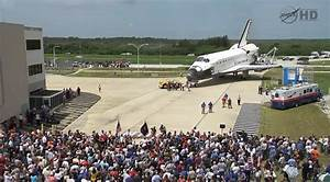 File:Atlantis welcome home ceremony outside the OPF July ...