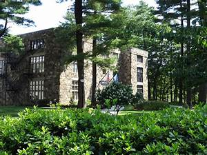 Panoramio - Photo of Frost Hall, Gordon College