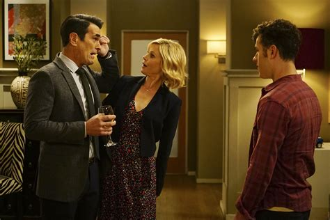 abc modern family modern family co creator talks about planning the end of the abc tv show canceled tv shows