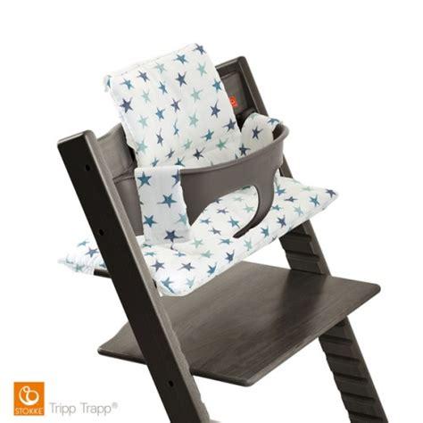 coussin pour chaise haute coussin étoiles bleues pour chaise haute tripp trapp