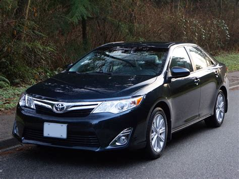 2014 Toyota Camry Xle Road Test Review