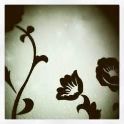 Glasregale Für Die Wand : schablonen f r die wand als gestaltungsidee ~ Markanthonyermac.com Haus und Dekorationen