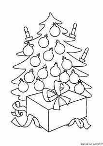 Le Sapin A Les Boules : les boules sur le sapin est un coloriage de noel ~ Preciouscoupons.com Idées de Décoration