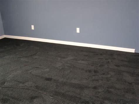 dark carpet gray wall livingfamily room brown