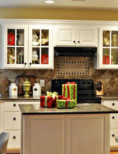 cozy christmas kitchen decor ideas digsdigs
