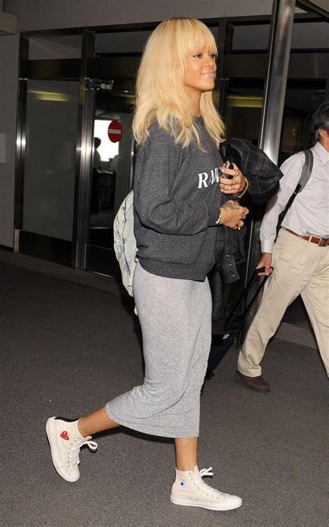 rihanna wears rodarte radarte sweater  comme des