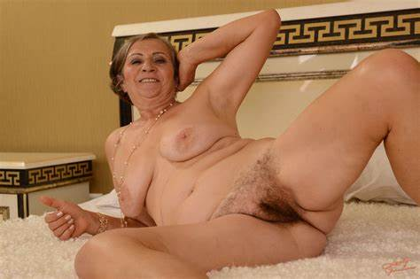 Short Resolution Artistic Hippie Granny Wife Gallery Video Free