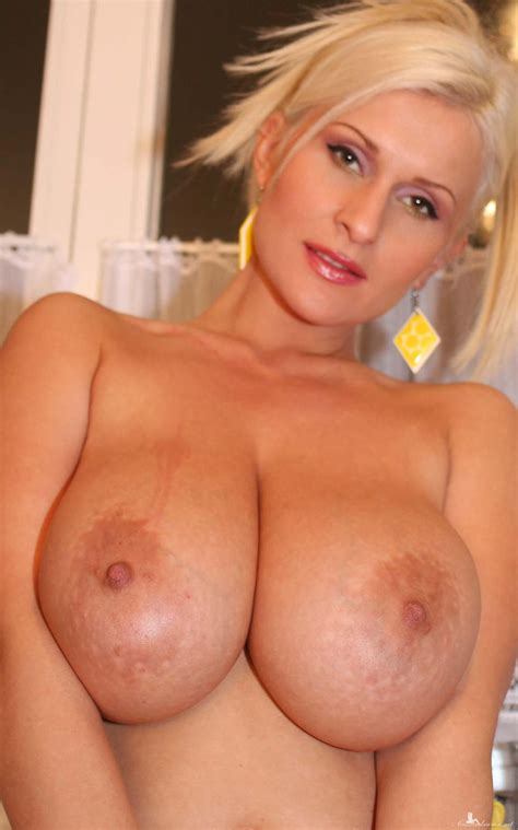 Casskitc087 In Gallery Cassandra Busty Milf In The