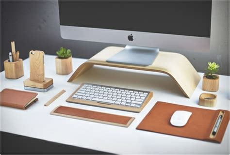 accessoire bureau design accessoires de bureau artisanaux par grovemade