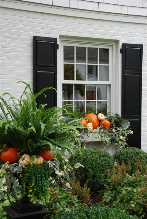 Outdoor Fall Decor Inspiration {from Ppt}  Hello Lovely