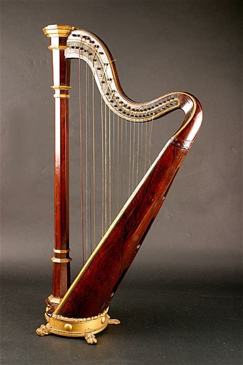 what is a l harp maud gonne a harp given to her by wb yeats