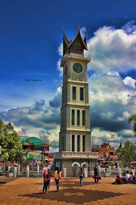 jam gadang simbol masyarakat minang landscape