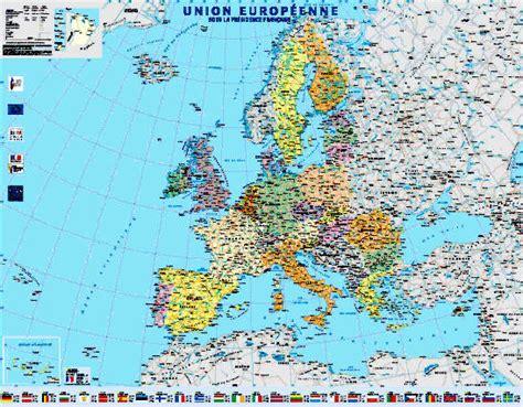 cuisine bois pas cher carte européenne arts et voyages