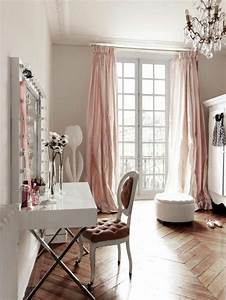 Les 25 meilleures idees de la categorie chambres for Deco chambre fille romantique