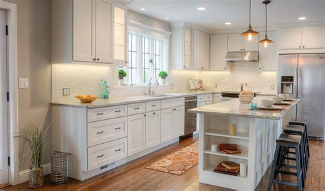 experience  buying kitchen cabinets