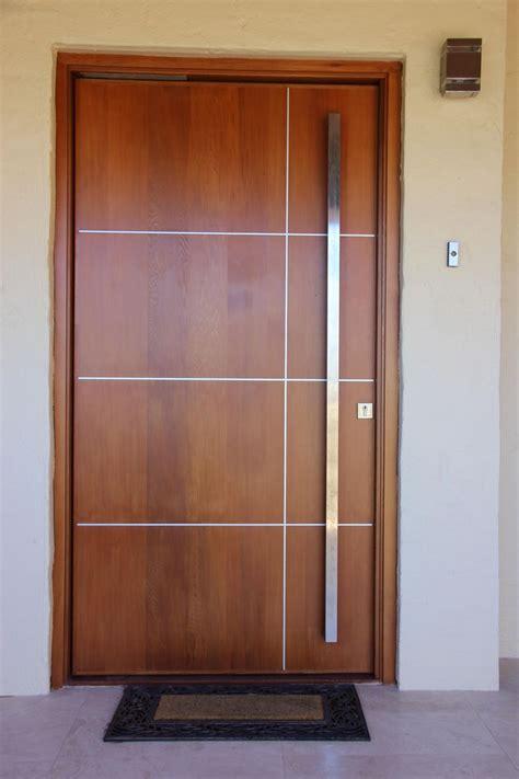 apartment garage porta externa de madeira 30 modelos para mudar o visual