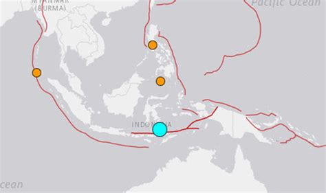 indonesia earthquake ring  fire hit  miles