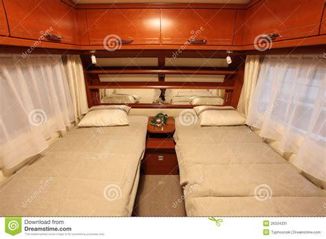 caravane chambre intérieur de chambre à coucher d 39 une caravane