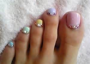 Toe nail art using rhinestones alldaychic
