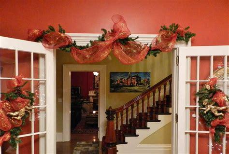 decorating  victorian home  christmas tree bite