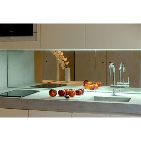 cr ence miroir pour cuisine la crédence miroir tendance et design pour ma cuisine