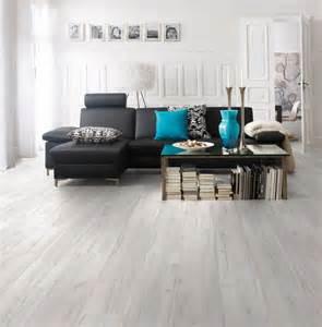 modernes wohnzimmer schwarz wei laminat wohnzimmer laminat wohnzimmer modern moderne kche mit laminat weien mbeln und grnem farbakzent