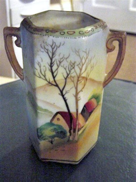 hand painted vintage nippon  handle vase