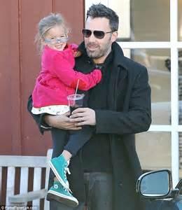 Ben Affleck and Jen Garner take smiling Seraphina to ...