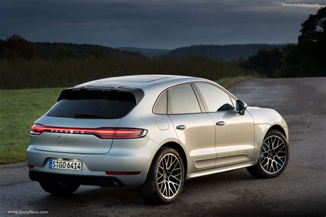 The body has five doors and five seats. 2019 Porsche Macan Turbo - HQ Pictures, Specs, Information & Videos - Dailyrevs