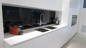 Crédence Cuisine Verre : cr dence en verre laqu noir absolu afdesign le blog ~ Premium-room.com Idées de Décoration