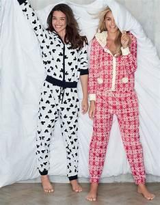 Pyjama Party Outfit : 55 best comfy sleepwear images on pinterest comfy night night and nightwear ~ Eleganceandgraceweddings.com Haus und Dekorationen