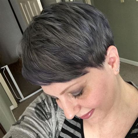 simple easy short pixie cuts  oval faces
