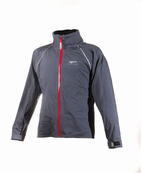 best bicycle jacket the best men 39 s cycling jackets of 2017