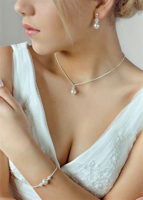 si鑒e pour le dos quels bijoux avec ma robe mode nuptiale forum mariages