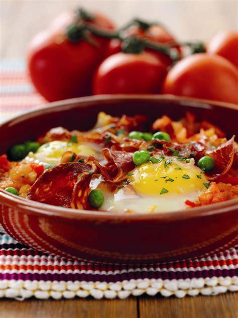 flamenco eggs huevos flamenca recipe andalusian recipes spanish eat andaluz tapas