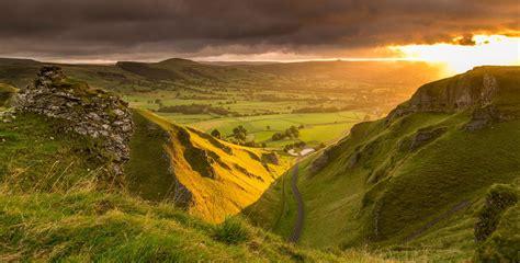 hope valley      peak district  derbyshire