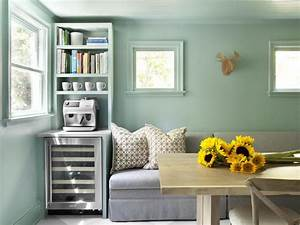 Mint green color palette mint green color schemes hgtv for Kitchen colors with white cabinets with mermaid outdoor wall art