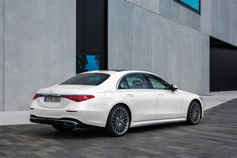 Obviously, the government's estimates will vary between the two different powertrains, and we expect the larger of the engines to. 2021 Mercedes-Benz S-Class Sedan Exterior Photos | CarBuzz
