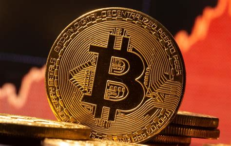 Its net income for the quarter is estimated at between $730 million to $800 million, with total revenue of approximately $1.8 billion — up from about $190.6 million in the first quarter of 2020, per cnbc. Crypto exchange Coinbase hit by tech trouble as bitcoin breaks $20,000 for first time   Reuters