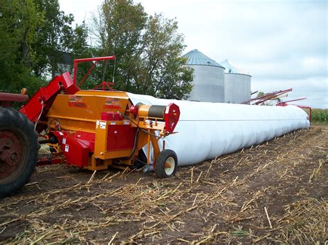 siege backet silage baggers