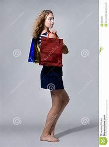 Junge Mädchen Fotos : das junge m dchen mit k ufen barfu stockbild bild von freundlich geschenk 25659937 ~ Markanthonyermac.com Haus und Dekorationen