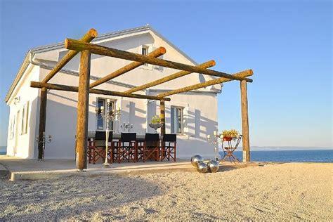 Haus In Kroatien Mieten Am Meer Mit Hund by Leuchtturm Marlera Ferienhaus In Istrien Kroatien
