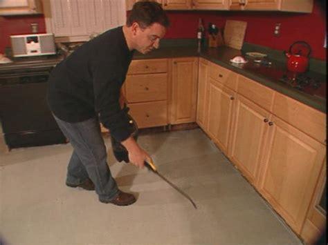 How to Install a Skim Coat for a Concrete Floor   how tos