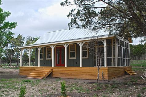 Texas Hill Country cottage by Kanga Room Systems   Small House Bliss