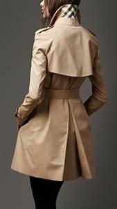 Manteau Femme Petite Taille : l 39 art de porter le trench femme avec style ~ Melissatoandfro.com Idées de Décoration